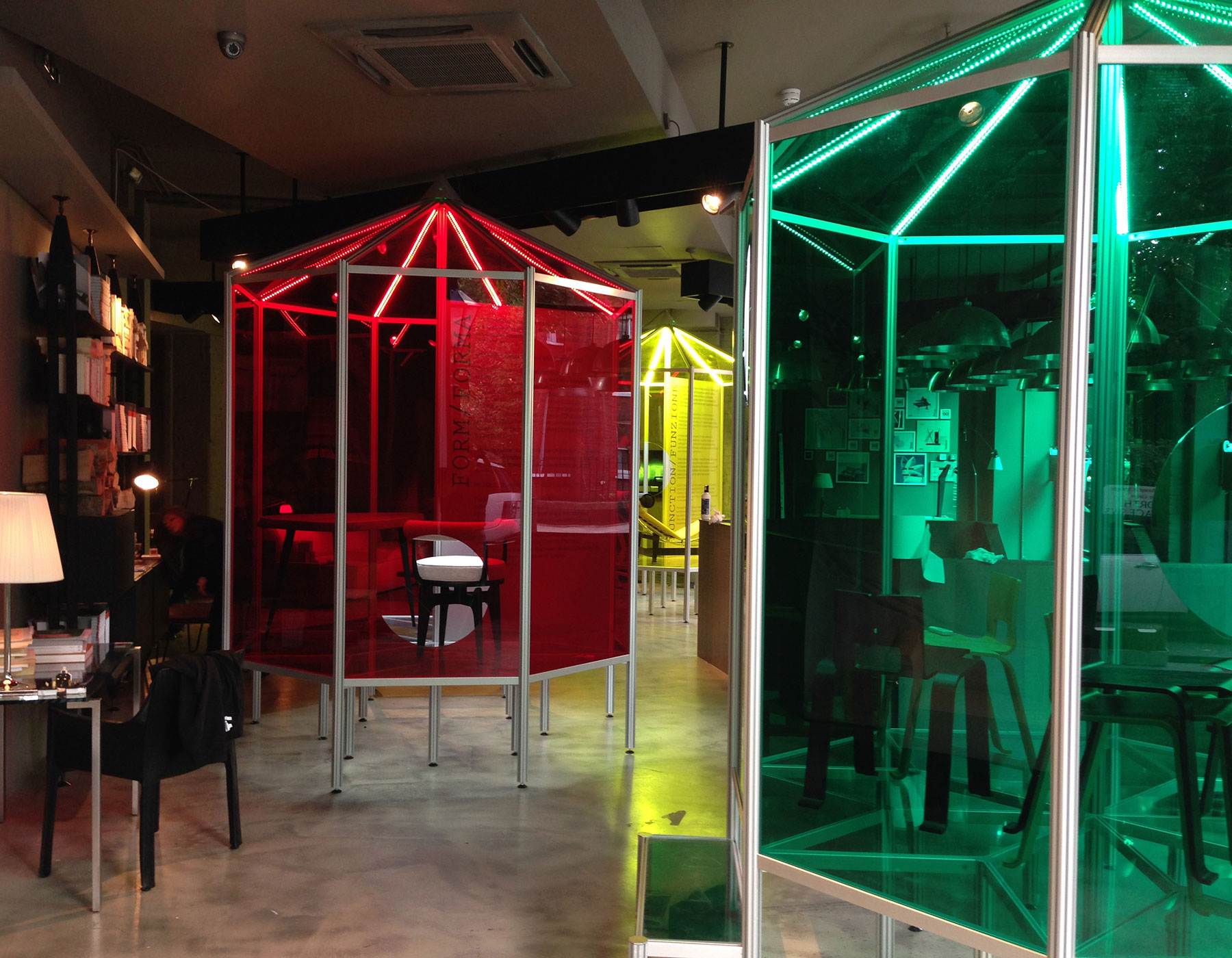 Cassina Stand&Co